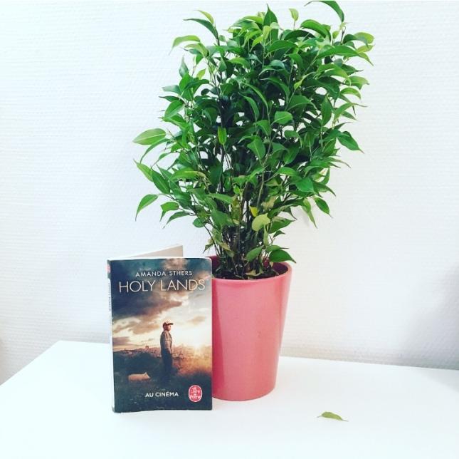 Holy Lands Les terres saintes Amanda Sthers Le Livre de Poche Studio Canal Au cinéma The Unamed Bookshelf