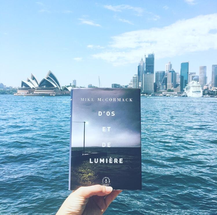 D'os et de Lumière Mike McCormack Editions Grasset Janvier 2019 The Unamed Bookshelf