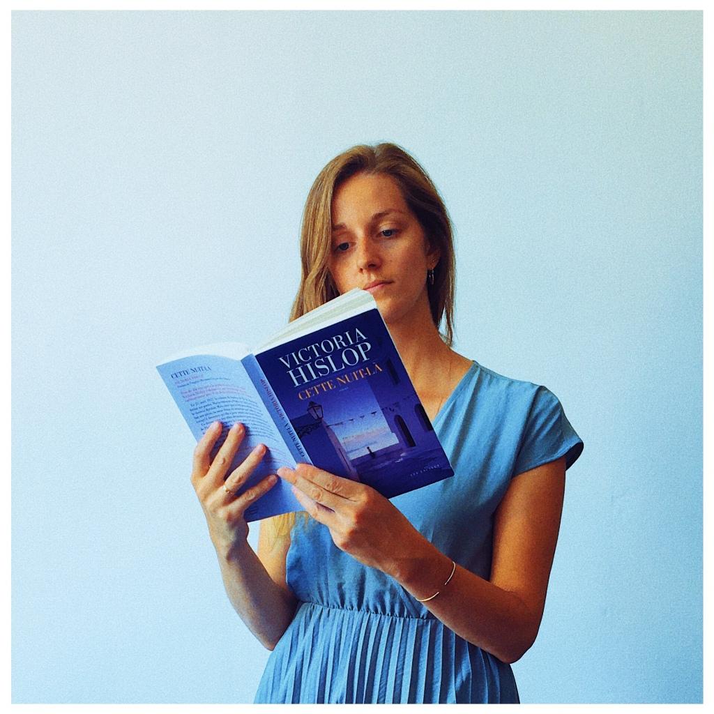 Cette nuit-là, Victoria Hislop, Editions Les Escales, The Unamed Bookshelf